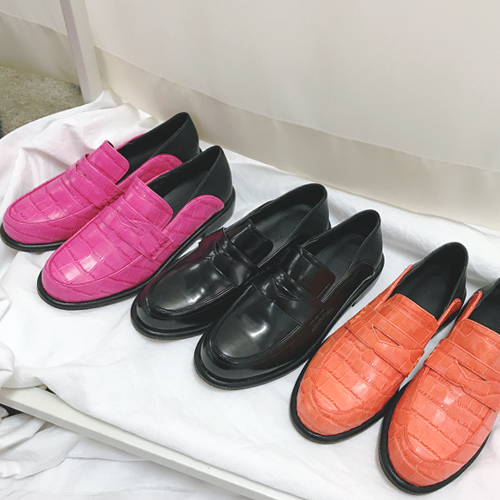 Mama, Loafers