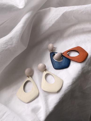 Lolin, earring