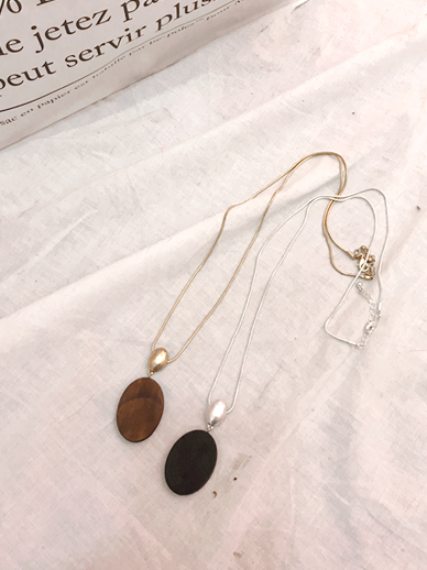 Circle Chocolate, Necklace