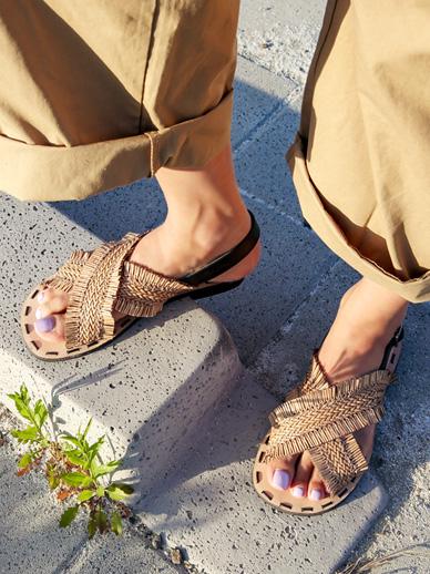Ratan Tonight, Sandals