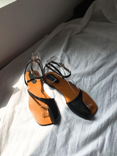 Cross-up, Sandals