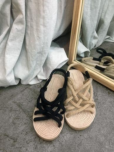 Sand sounds, Sandals