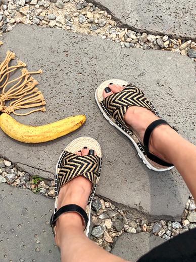 Zigzag, Sandals