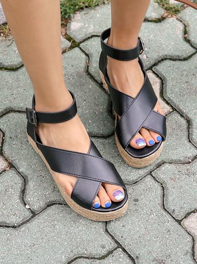 Neve, Sandals