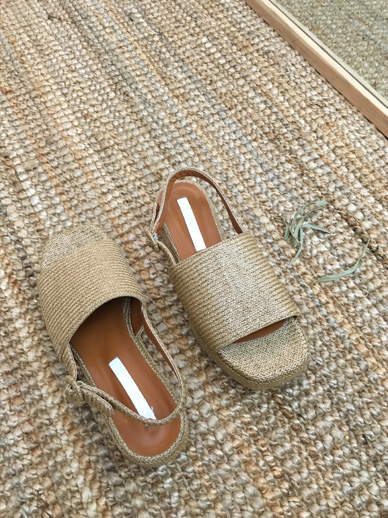 Longts, Sandals