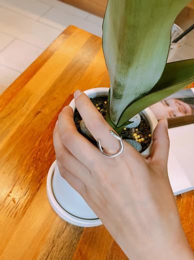 Cain Oil, Ring