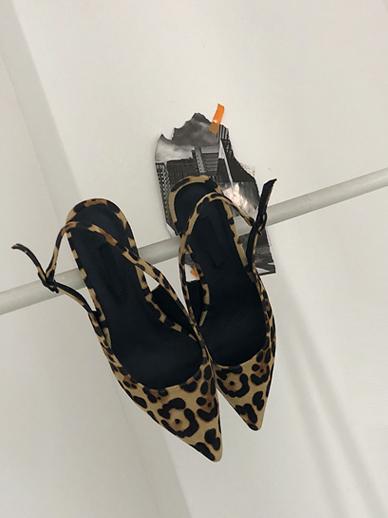 Romide Leopard, Middle heel