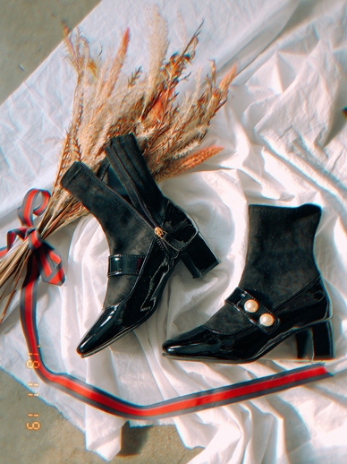 Second pearl, ankle boots