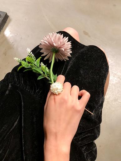 Flower, Ring