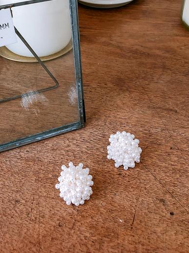 Flower pearl, earring