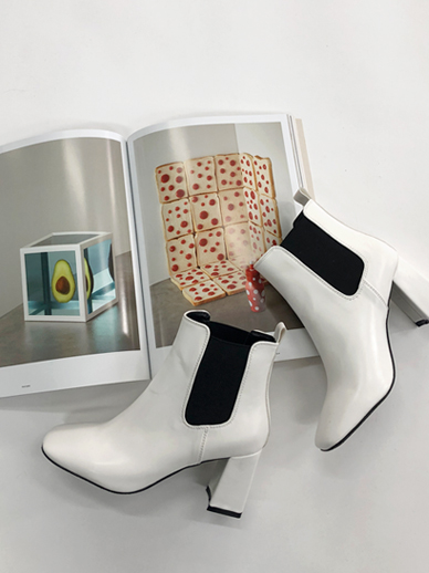 Blooming, ankle boots