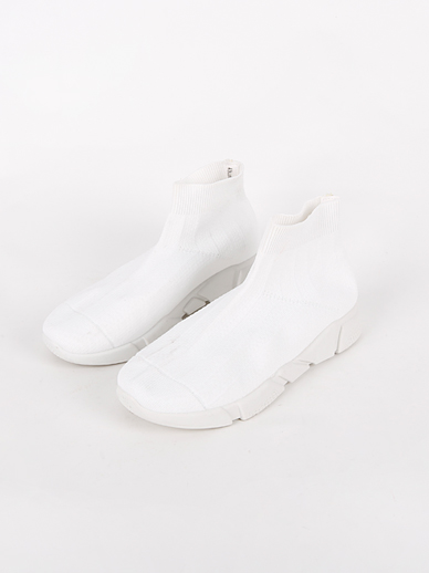 [SALE] Sneakers (Fitting Shoes 230, 230)