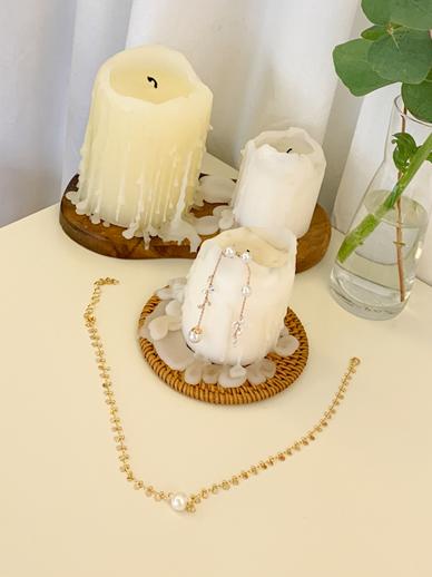 Pearl chain, choker