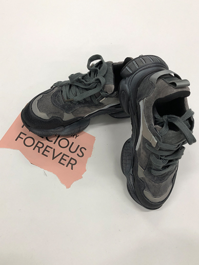 Viechin, Sneakers