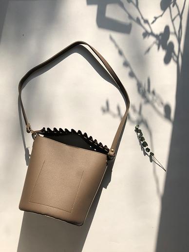 Frill bucket, Bag
