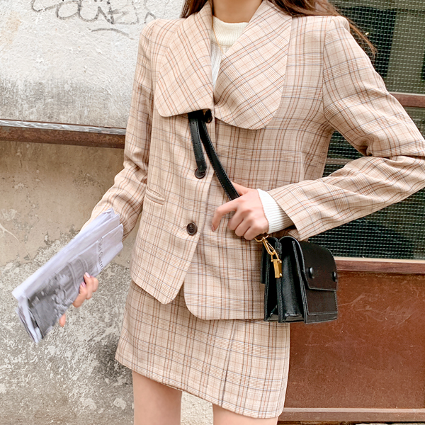 Jenny, Check Jacket <br> <font color='gray'>Brown same day when ordering alone</font>