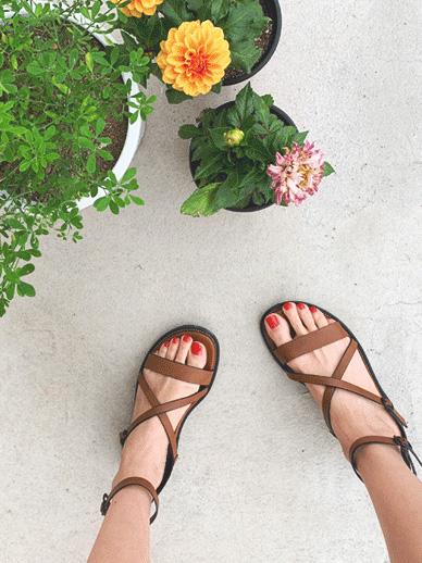 Erie, Sandals