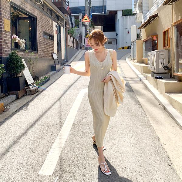 Jane Porter, Corrugated Dress <br> <font color='gray'>Beige Same day when ordering alone</font>